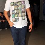 Marcos Felipe Leite veste calça Levis, sapato Vans e camisa Armadillo