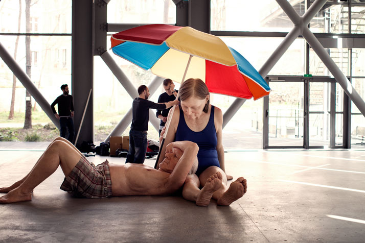 Ron-Mueck-Fondation-Cartier-photo-Thomas-Salva-yatzer-3