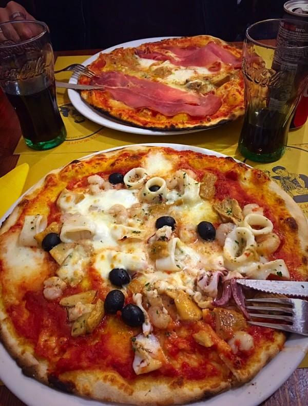 A pizza preferida dos locais da cidade de Florença, funciona em uma cantina rústica afastada do movimentado centro. Atendimento ótimo e rápido, preferida da blogueira Consuelo Blocker, filha da Costanza Pascolato.