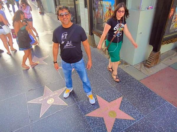 Eu na calçada da Fama, em frente ao Dolby Theatre, local em que ocorre o evento